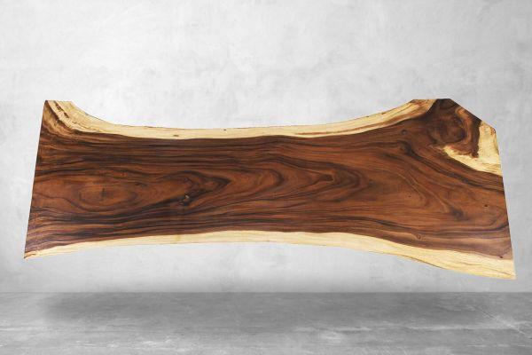 Suarholz Baumstammplatte  für 12 Sitzplätze - 324 cm - front view1